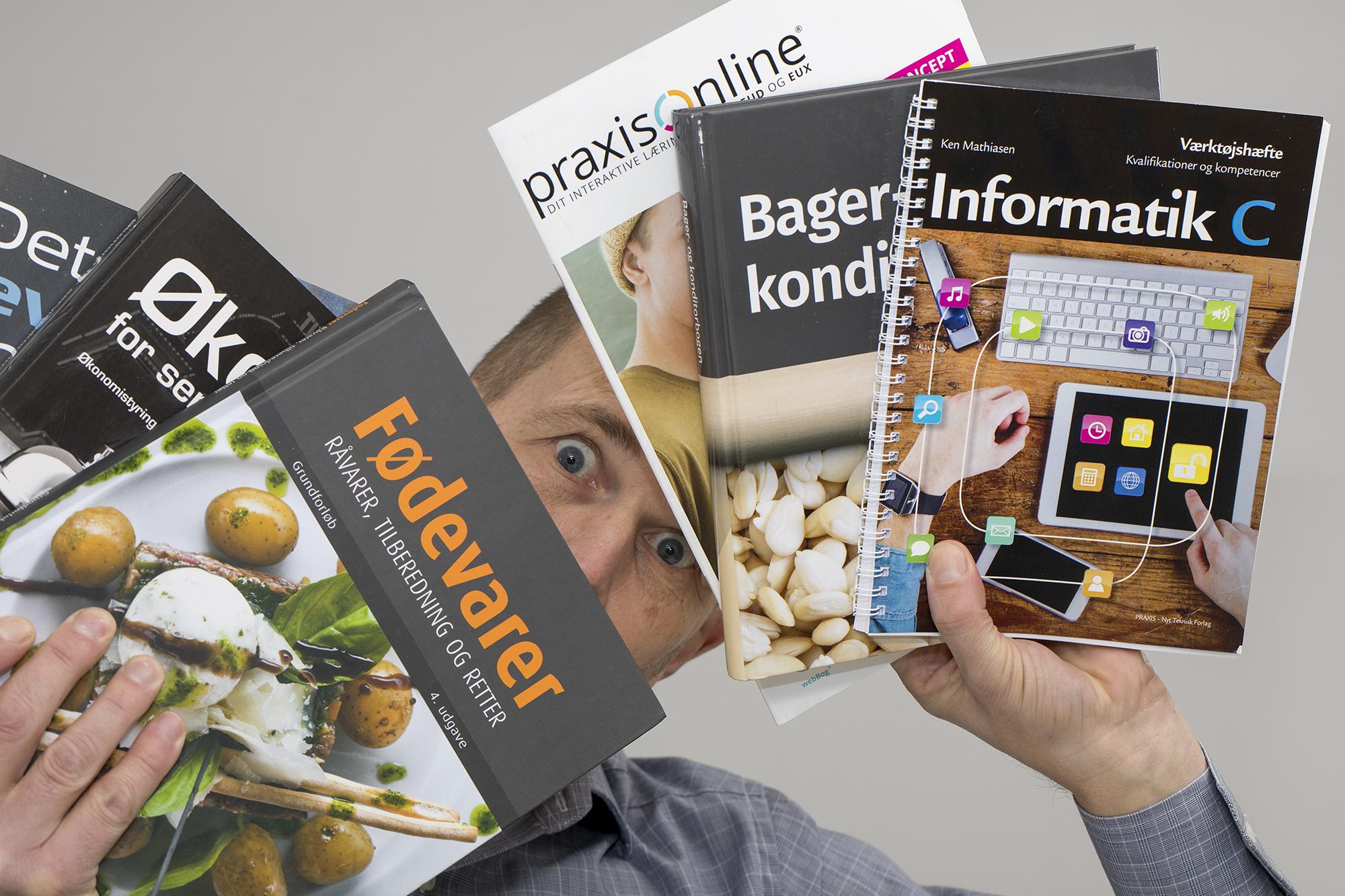 Skal du producere en publikation, en brochure, et katalog, eller en bog? Eller er du nysgerrig på hvordan man gør? Så læs herunder og bliv klogere på det.